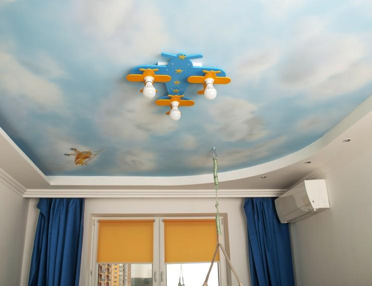 Небо с самолетами. Детская